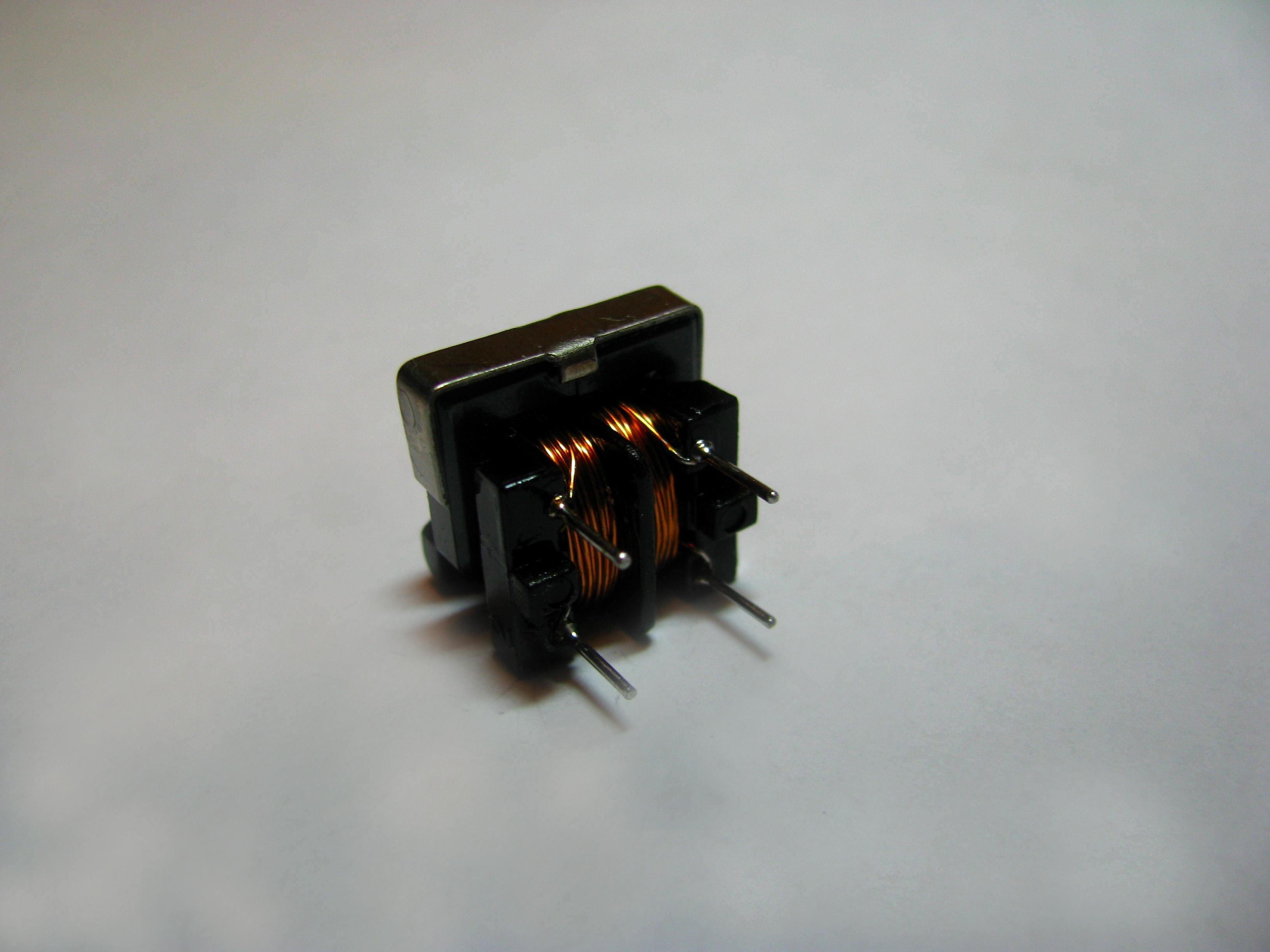 Дроссель на каркасе UF9,8